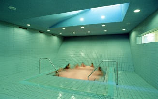 Swimming pool in the basement of Sargfabrik, Wien BKK-2, Vienna, 1992–96 © Hertha Hurnaus