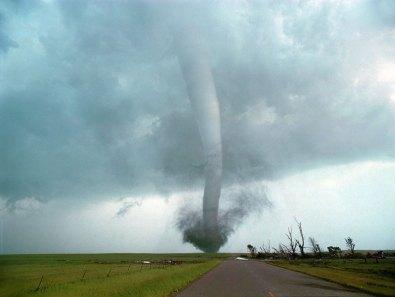 ciclone-uragano-tornado-occhio