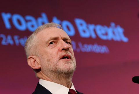 epa05812065 Labour Party leader Jeremy Corbyn delivers a speech on Brexit in London, Britain, 24 February 2017. Corbyn outlined his party's policy on Brexit. EPA/ANDY RAIN