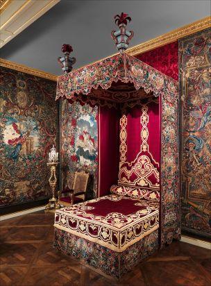 Louis XIV furniture 1700-1710